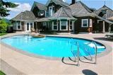 Pool aufstellen, Swimmingpool im Garten