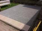 Splittbett für die Verlegung der Terrassenplatten
